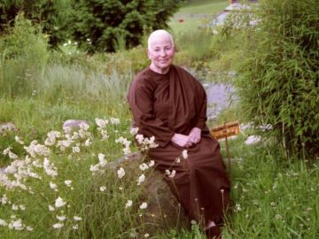 Ayya-Khema-Sitting-In-Garden-2